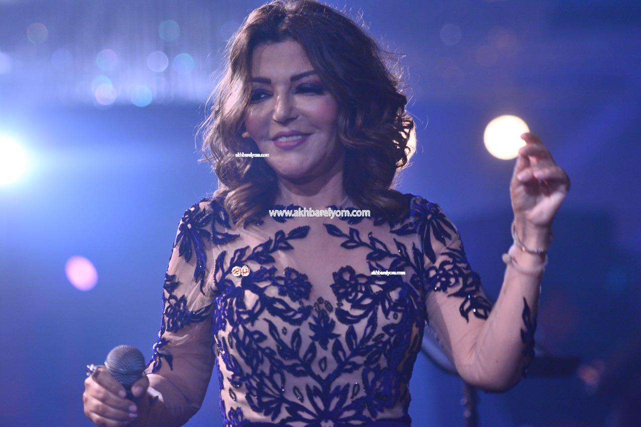 صور.. سميرة سعيد تتألق في حفلها بليلة رأس السنة