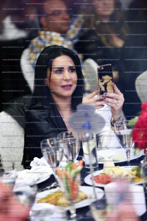 وائل جسار يتألق في «قبرص».. وزوجته تخطف الأنظار