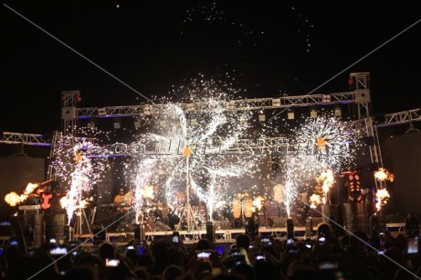 سامو زين يُغني «الورد الأحمر» لجمهوره في شم النسيم
