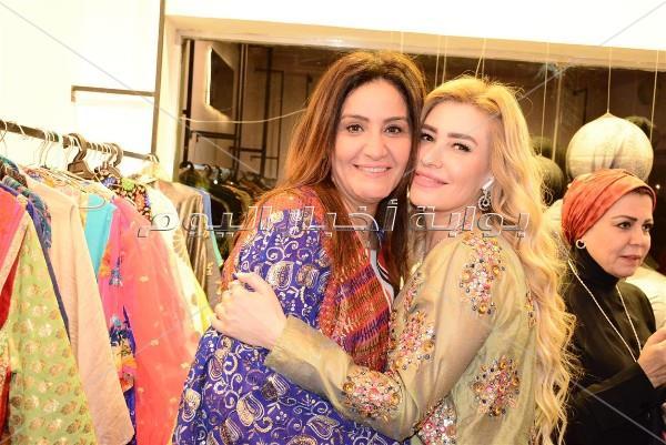 نجمات الفن يفتتحون لوكيشن ملابس رمضان