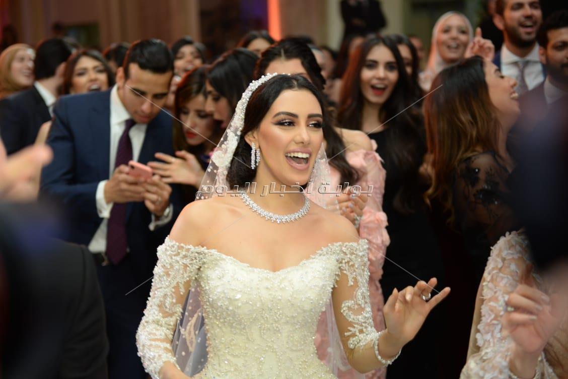 عاصي الحلاني يُغني لـ«راشد وريم» في زفافهما