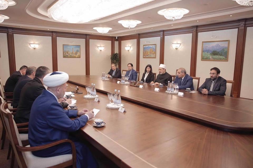الإمام الأكبر الدكتور أحمد الطيب شيخ الأزهر الشريف يلتقي رئيس مجلس حكماء المسلمين