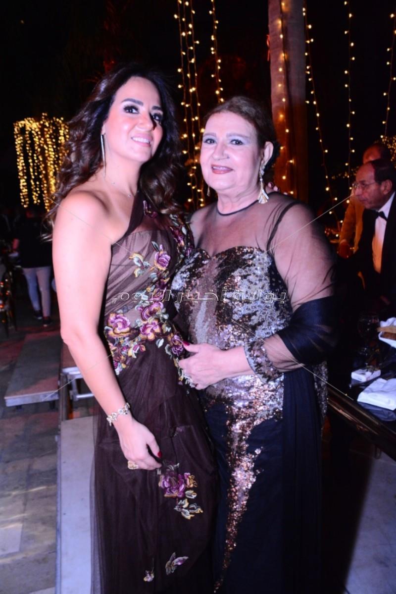 هيفاء وهبي تشعل زفاف حفيدة حسن مصطفي وميمي جمال