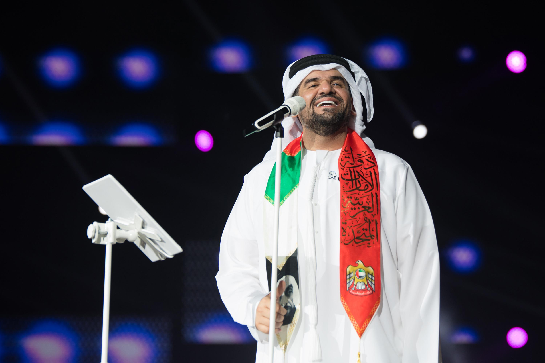 """حسين الجسمي يجول إمارات """"الإمارات"""" محتفلاً باليوم الوطني الـ47"""