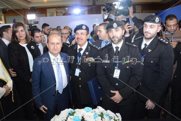 نبيلة مكرم تفتتح الأسبوع الكويتي