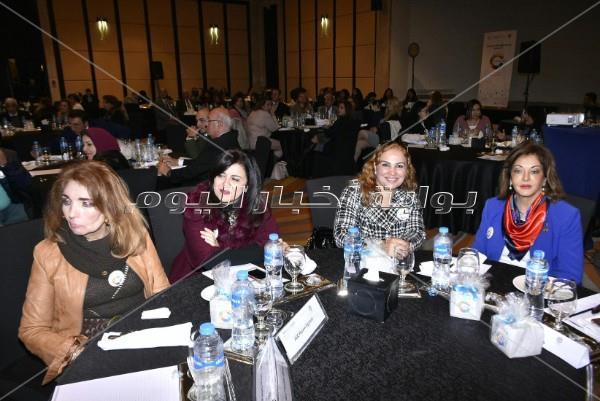 درية شرف الدين وسناء منصور تشاركان بمؤتمر «الإعلام الهادف»