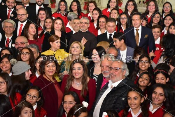 إلهام شاهين ونور ولقاء الخميسي يحتفلون بـ«الكريسماس» في سان جوزيف