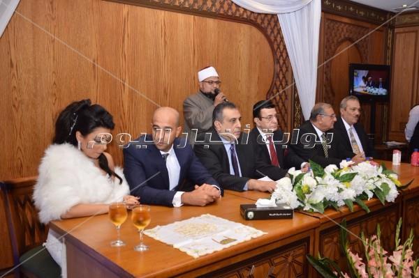 هاني شاكر وعبد الله مشرف يحتفلان بعقد قران ابنة نادية مصطفى