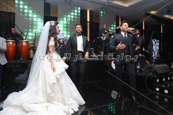 أهل الفن والرياضة في زفاف «تريزيجيه».. وحماقي يُشعل الحفل