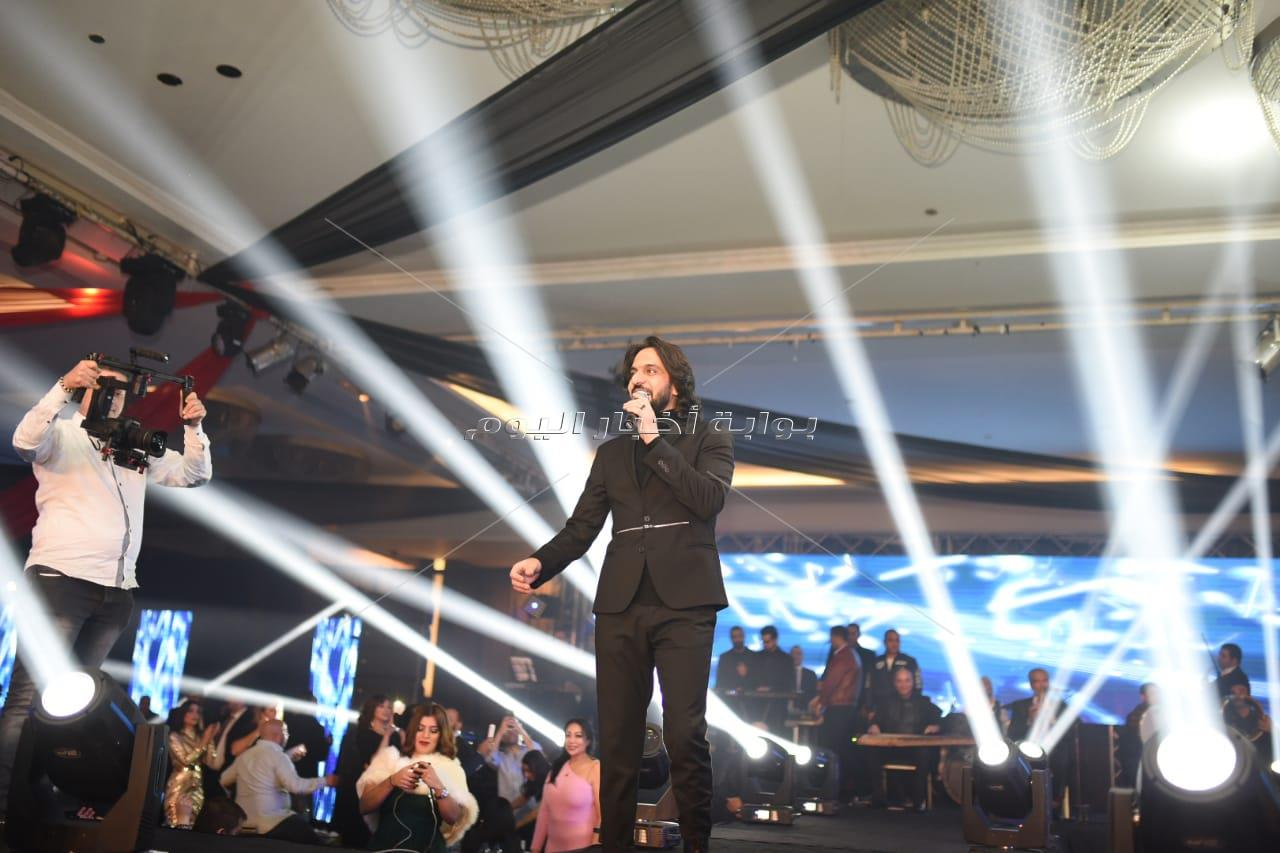 بهاء سلطان والمغربية طاهرة يحتفلان برأس السنة في التجمع