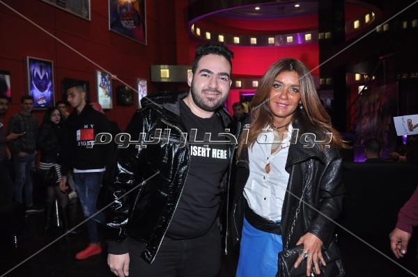 كريم عبد العزيز وغادة عادل يحتفلان بعرض «نادي الرجال السري»