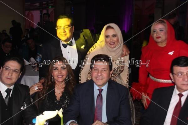 كوكبة فنية بزفاف «أحمد وألحان».. وهاني شاكر وأوكسانا والصغير نجوم الحفل