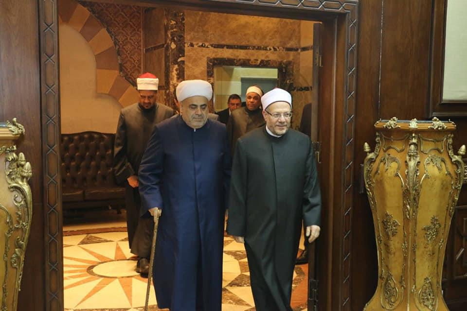مفتي الجمهورية يستقبل شيخ الإسلام لمنطقة القوقاز ويبحث معه تعزيز التعاون الديني