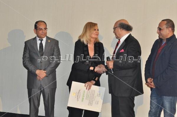 تكريم الفخراني وليلى علوي في ختام مهرجان «جمعية الفيلم»