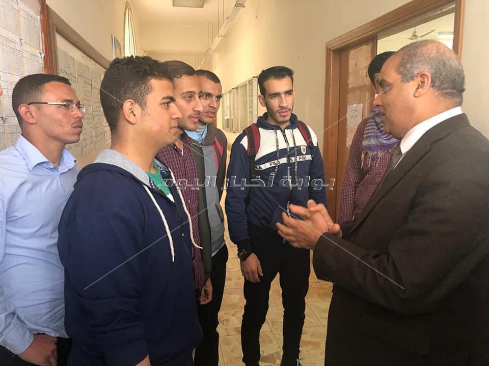 رئيس جامعة الأزهر يطمئن ميدانيًا على انتظام الدراسة
