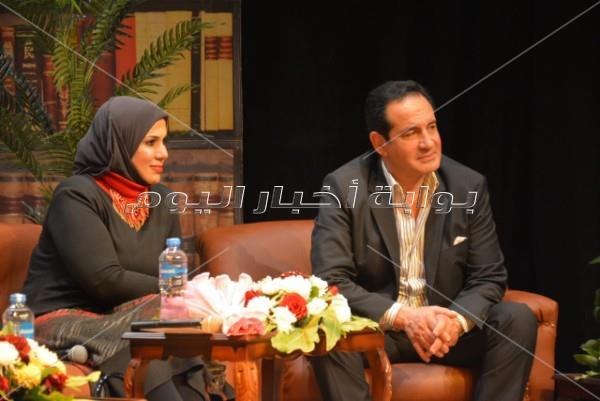 محمد ثروت وسامح يسري وطارق الدسوقي في «ملتقى الهناجر»