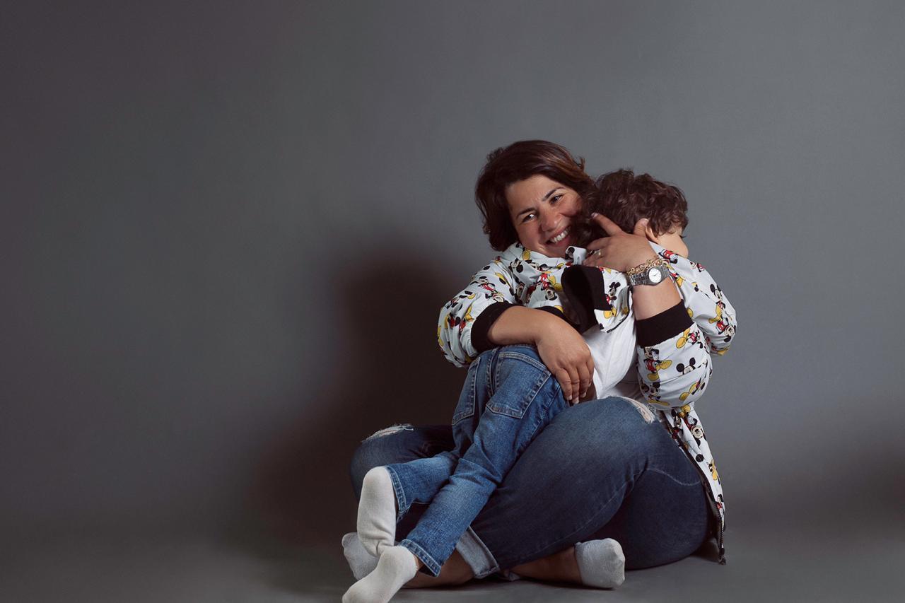 إنجي وجدان وابنها إسماعيل في جلسة تصوير «عيد الأم»