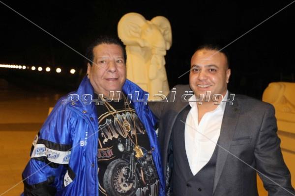 نجوم الفن الشعبي يحتفلون بزفاف «أمير وعزة»