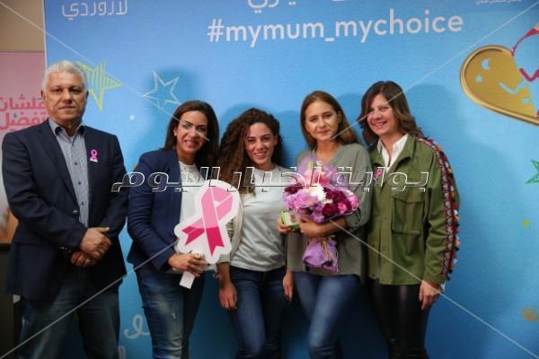 نيللي كريم تحتفل بعيد الأم وسط محاربات «بهية»