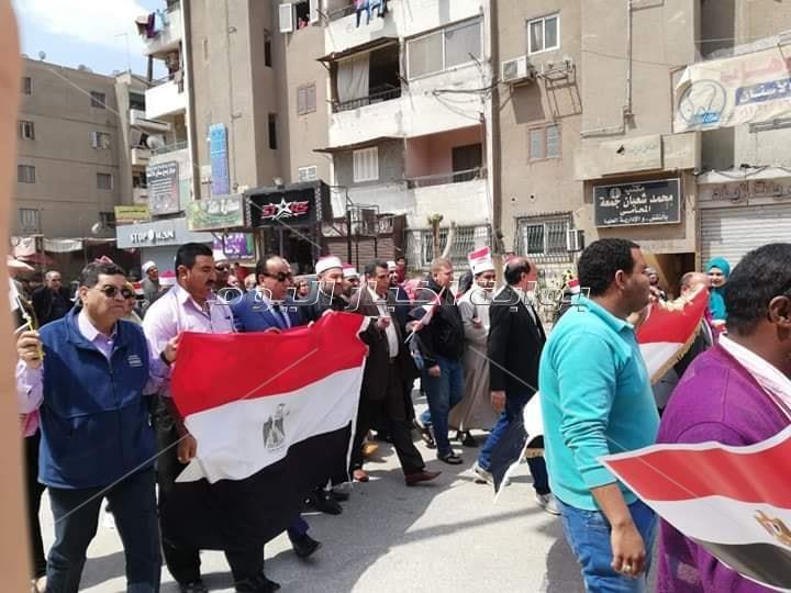 مسيرة بالخانكة في اليوم الثاني للاستفتاء على التعديلات الدستورية