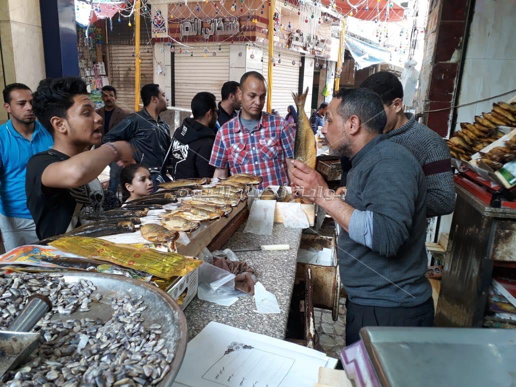 الرنجة والسردين المملح وأم الخلول ، أكلات البحراوة فى شم النسيم