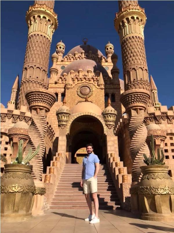 مغامر مصري يطلق مبادرة إظهار معالم وجمال مصر لتنشيط السياحة