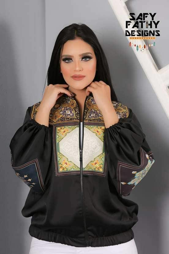 أزياء مزيج بين التطريز العربي وموتيفات عربية