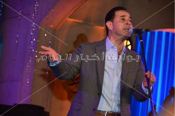 مدحت صالح يُبدع في سهرة رمضانية بالأوبرا