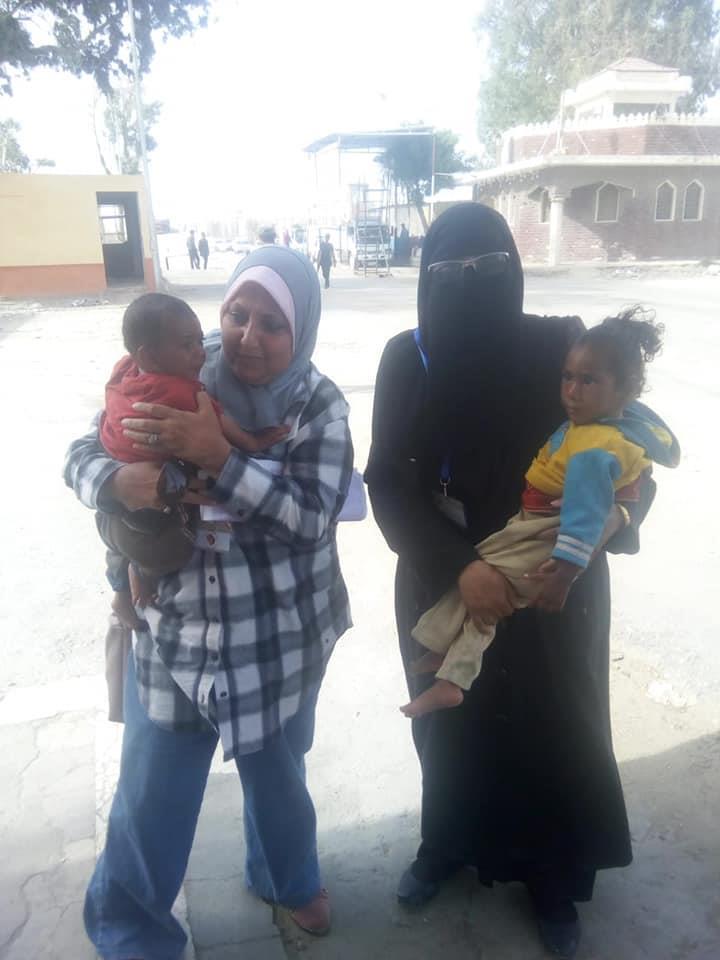 التضامن: التدخل السريع ببورسعيد ينقذ طفلتين من الموت والتسول فى درجات الحرارة المرتفعة