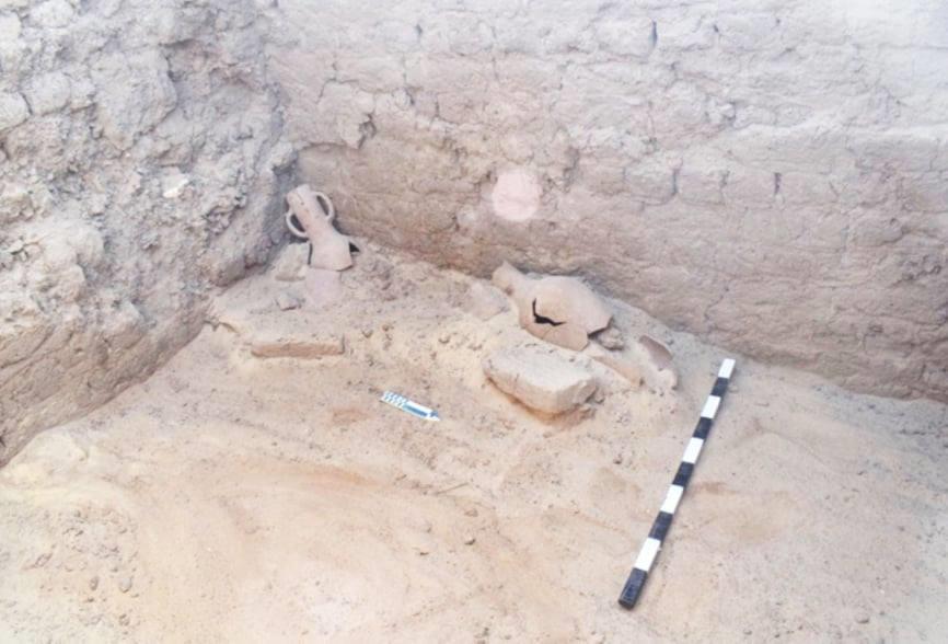 الكشف عن بقايا بيت أثري