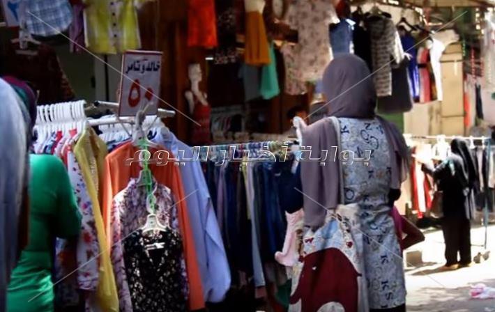 سوق الملابس في وكالة البلح