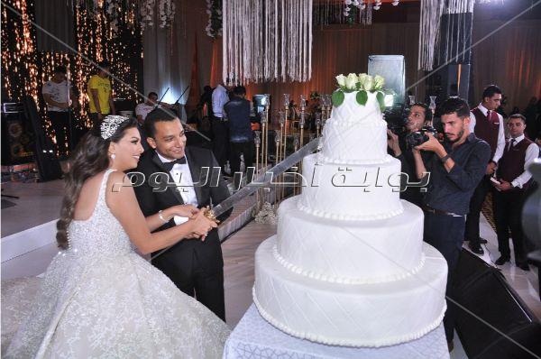 نجوم الرياضة في زفاف ابنة أحمد سليمان.. وتامر حسني نجم الحفل