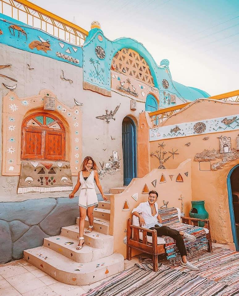 سائح و زوجته  يؤرخوا  زيارتهم لام الدنيا بأجمل  صور سياحية |صور