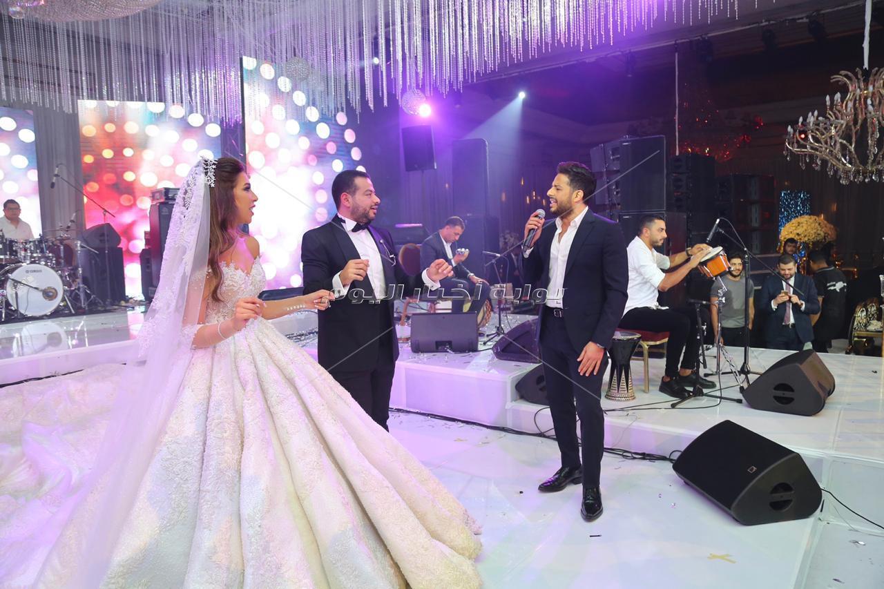 حماقي يتألق في زفاف «الأمين ونسمة»