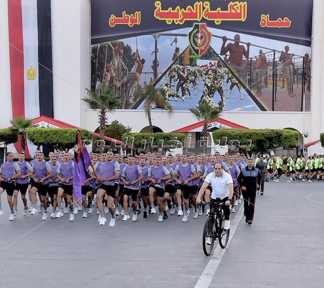 الرئيس السيسي يزور الكلية الحربية