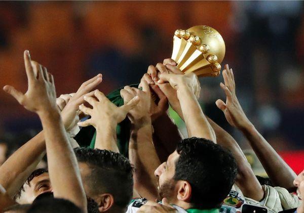 تتويج الجزائر بطلًا للكان