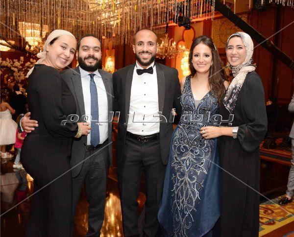 أوكا وأورتيجا وأوكسانا نجوم زفاف «محمد وريم»