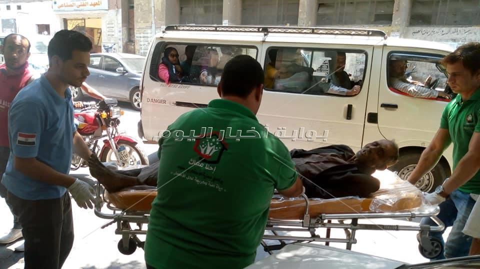 استجابة لـ«بوابة أخبار اليوم».. إنقاذ مشرد بشارع الجلاء