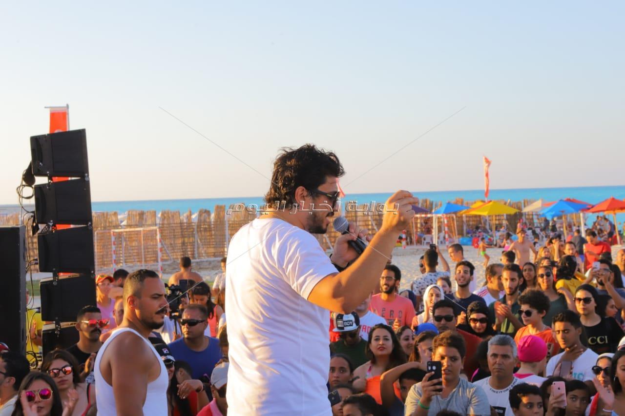 مصطفى حجاج يتألق في شاطئ الأهلي بمارينا