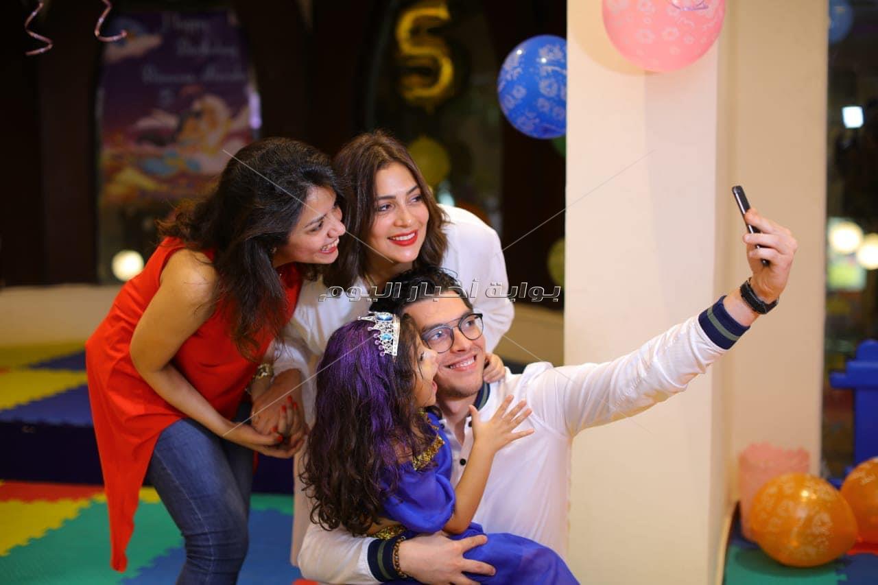 إيمان العاصي ونرمين ماهر تحتفلان بعيد ميلاد ابنة دنيا المصري