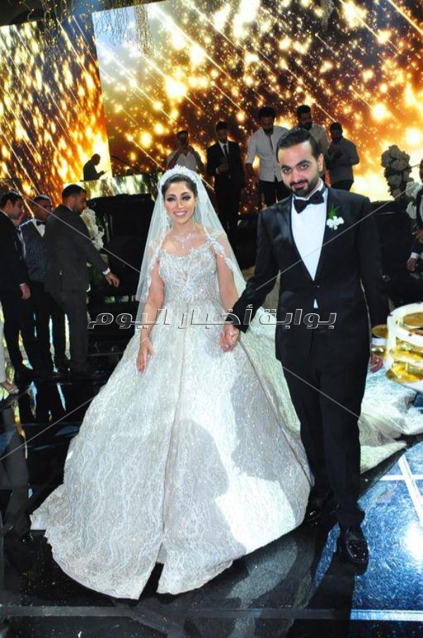 تامر حسني وانستازيا يتألقان في زفاف «عمرو وآية»