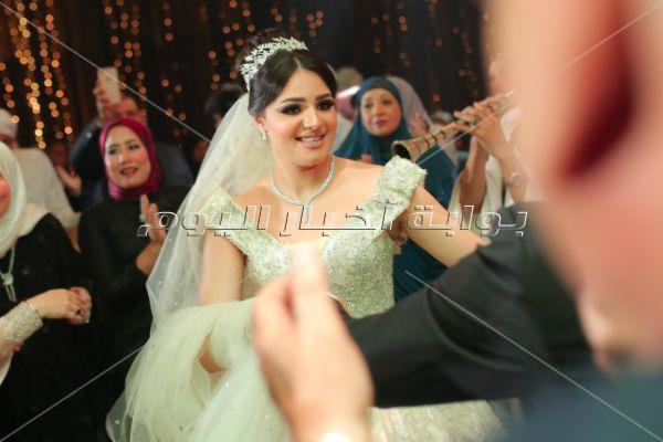 بوسي تُشعل زفاف «حمد ونوران»