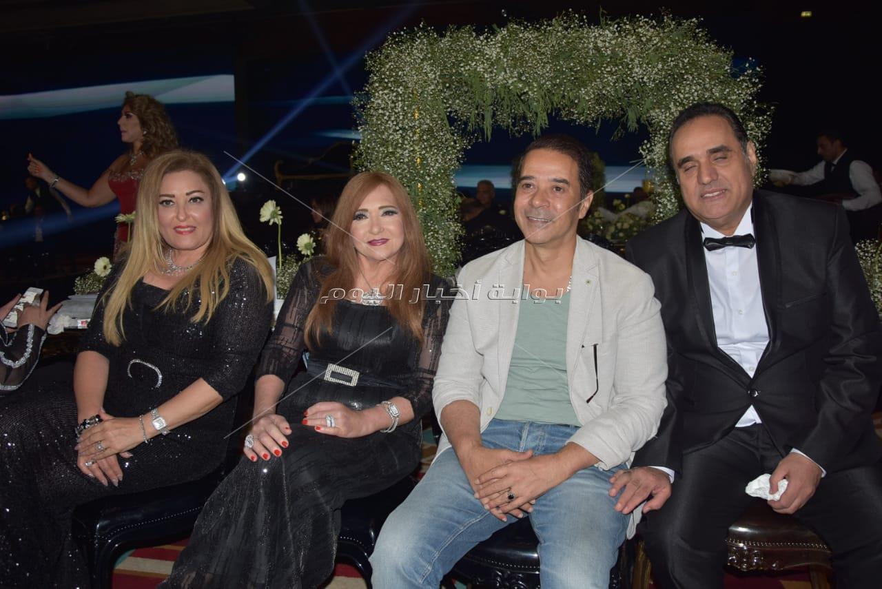 مشاهير الفن يحتفلون بزفاف سيد السبكي.. ورامي صبري يُغني للعروسين