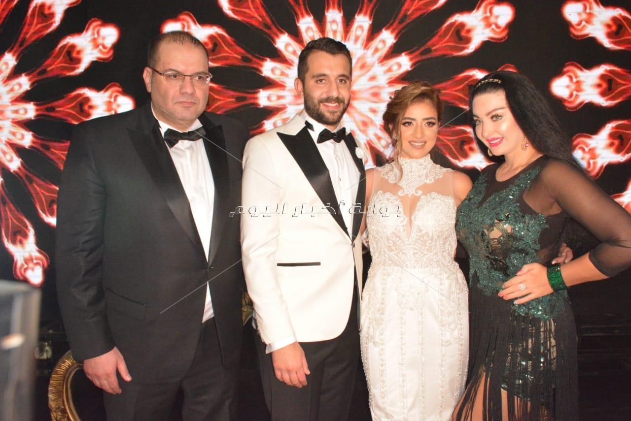 مشاهير الفن يحتفلون بزفاف سيد السبكي.. ورامي صبري يُغني للعروسين2