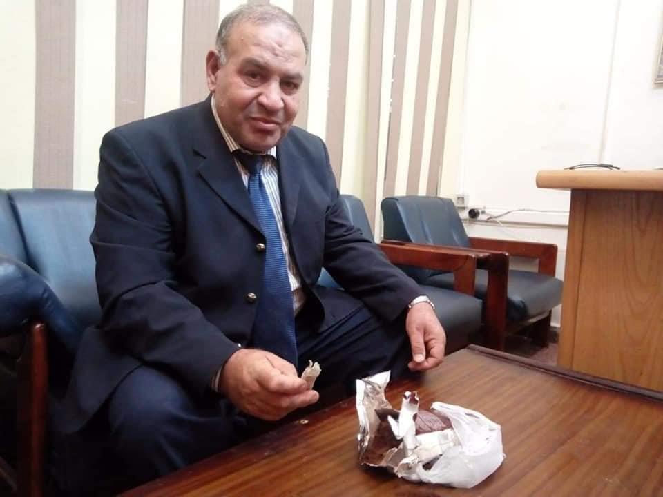 صور الشوكولاتة للتهريب الأموال الهرمونات بمطار القاهرة