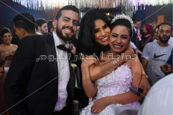 دياب وأمينة يُشعلان زفاف «أحمد ونور»