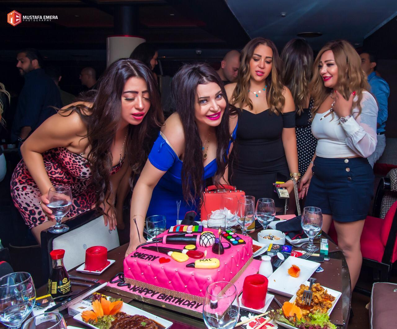 الإعلامية شيري عبدالله تحتفل بعيد ميلادها
