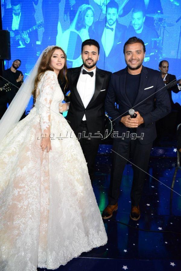حكيم ورامي صبري في زفاف «عمر وبسمة»