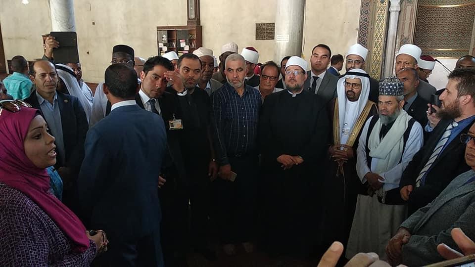 ضيوف مؤتمر الأعلى للشئون الإسلامية في مسجد عمرو بن العاص