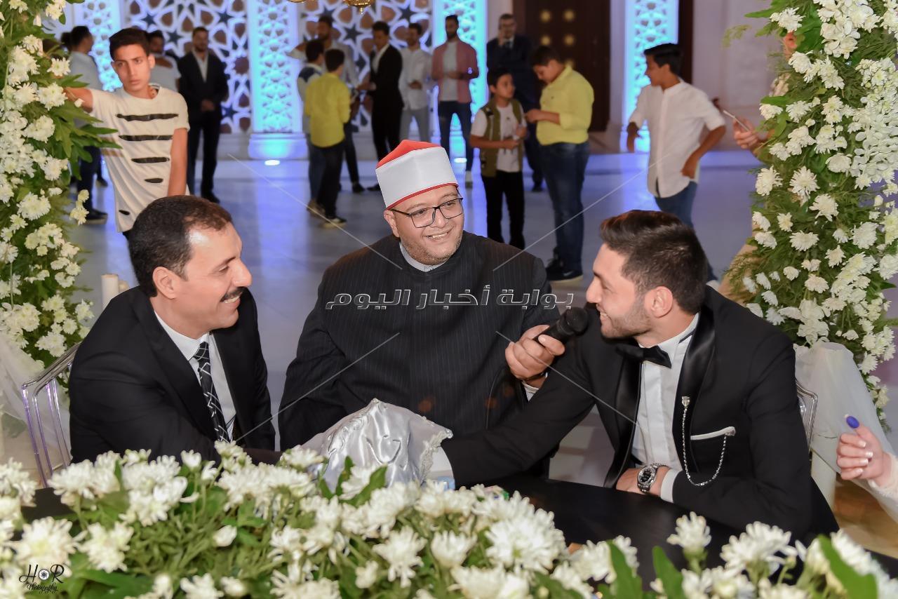 الخطيب ونجوم الأهلي يحتفلون بزفاف كريم نيدفيد